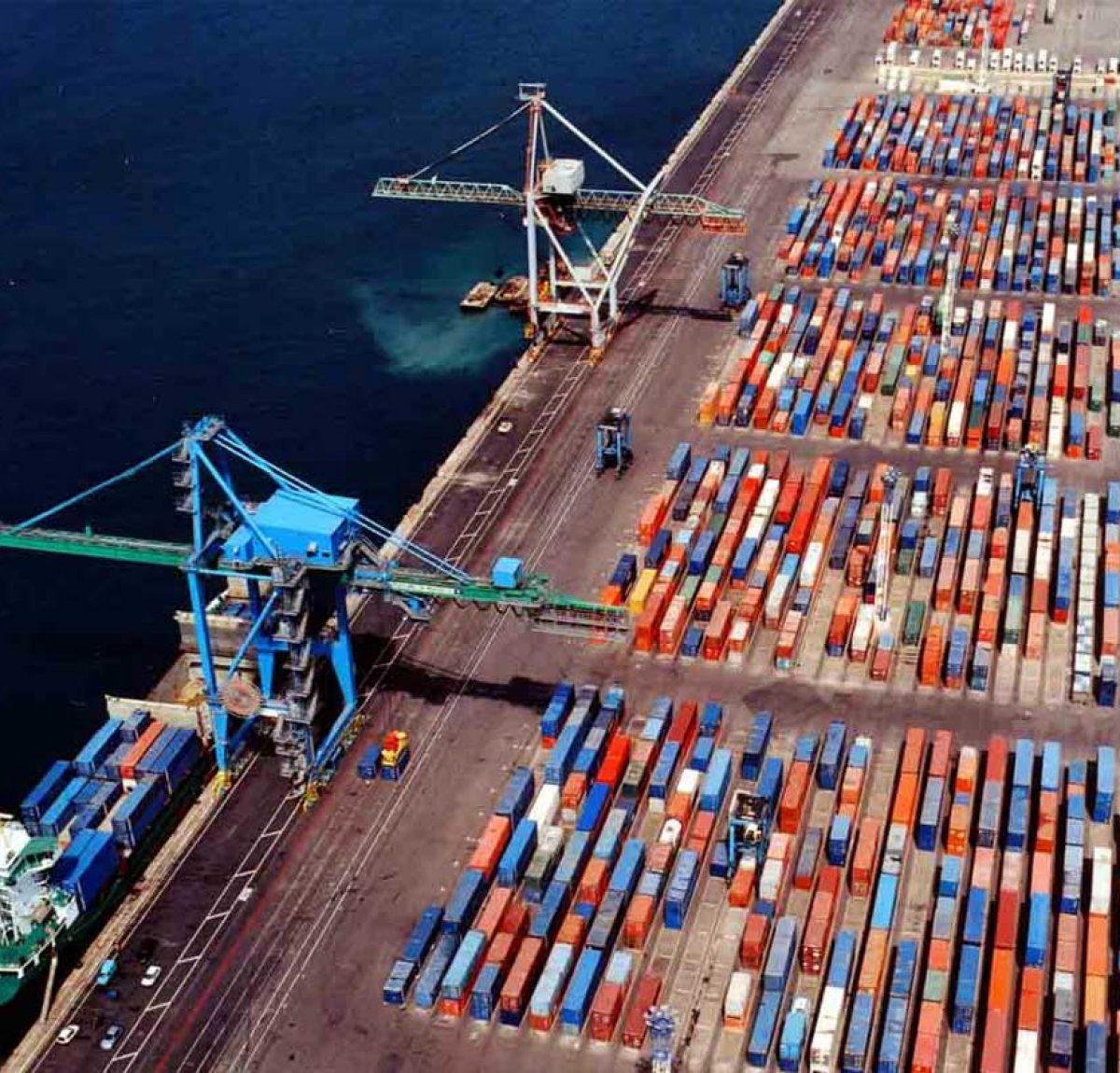 Port moderne en Afrique
